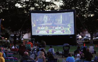 Movie Screen and Outdoor Movie Set up rental MI, OH, IN, WI